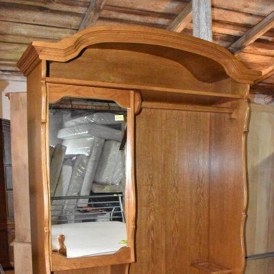 cena: 1050 zł; dł: 146 cm; gł: 47 cm; wys: 209 cm (dębowy przedpokój, szuflady na prowadnicach, parasolnik)