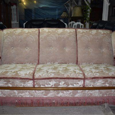 Sofa 3-osobowa dł: 212 cm; gł: 90 cm; wys całkowita: 99 cm; wys siedziska: 47 cm