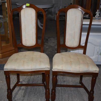 cena: 145 zł/szt, szer: 50 cm; gł: 50 cm; wys całkowita: 105 cm; wys siedziska: 48 cm (siedziska na pasach)