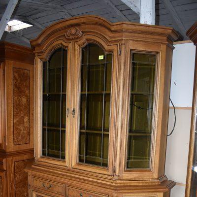 cena: 1870 zł; dł: 167 cm; gł: 53 cm; wys: 215 cm (podświetlana, przyciemniane oraz szlifowane szyby)