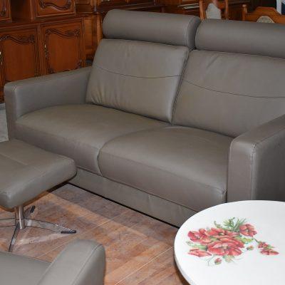 Sofa 2-osobowa dł: 163 cm; gł: 87 cm; wys max 100 cm; wys min: 48 cm
