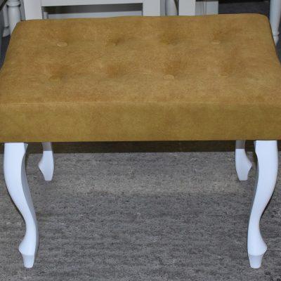 Nowa ławeczka cena: 260 zł; dł: 62 cm; szer: 41 cm; wys: 48 cm (tapicerka welurowa kolor musztardowy)