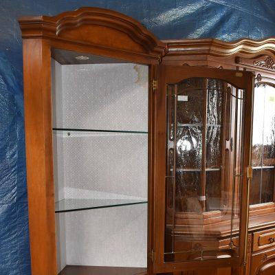 Witryna narożna cena: 1150 zł, boki: 55 cm x 55 cm, szer: 82 cm; gł: 44 cm; wys: 195 cm (włoska rogówka SELVA)