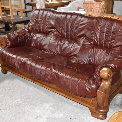 sofa 3-osobowa dł: 200 cm; gł: 90 cm; wys całkowita: 95 cm; wys siedziska: 44 cm