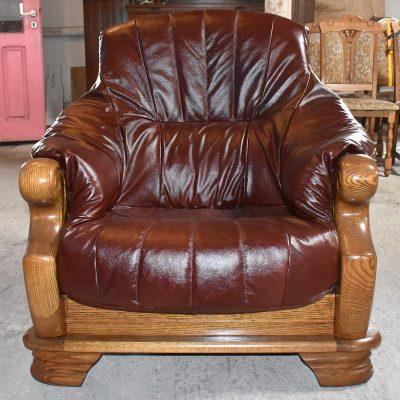 fotel szer: 92 cm; gł: 90 cm; wys całkowita: 95 cm; wys siedziska: 44 cm