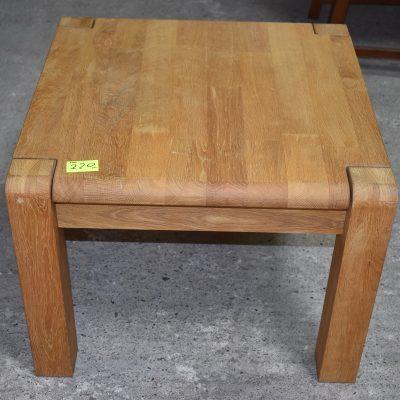 cena: 220 zł; blat: 76 cm x 76 cm; wys: 45 cm (cała dębowa)