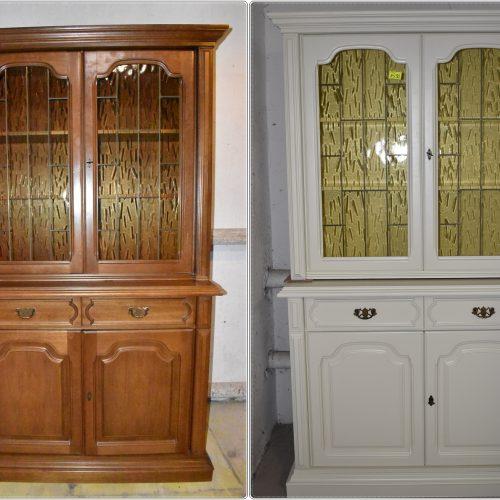 Zdjęcie przed i po 🙂 Witrynka zmalowana w eleganckim kolorze ecru. Cena: 1590 zł; szer: 120 cm; gł: 197 cm